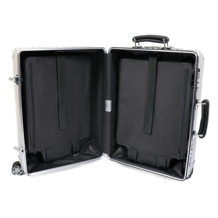 リモワ RIMOWA スーツケース CLASSIC Cabin 972.53.00.4 36L 4.3kg シルバー 1泊~3泊目安 TSAロック クラシック キャビン 機内持ち込みサイズ ドイツブランド 旅行 トラベル 旅 バカンス 休み 出張